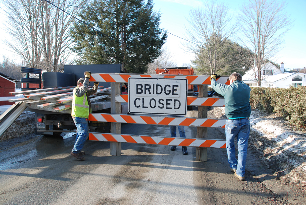 County Closes Bridge
