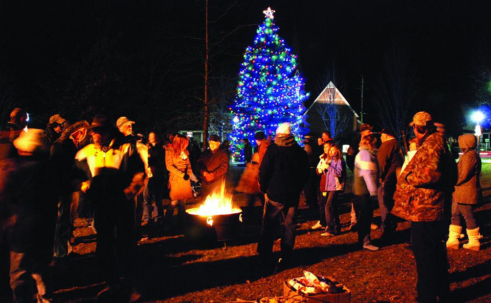 Hometown Holiday to light tree Dec. 2