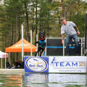 DOCK DOGS JEFF LEONARD AND CHESTER
