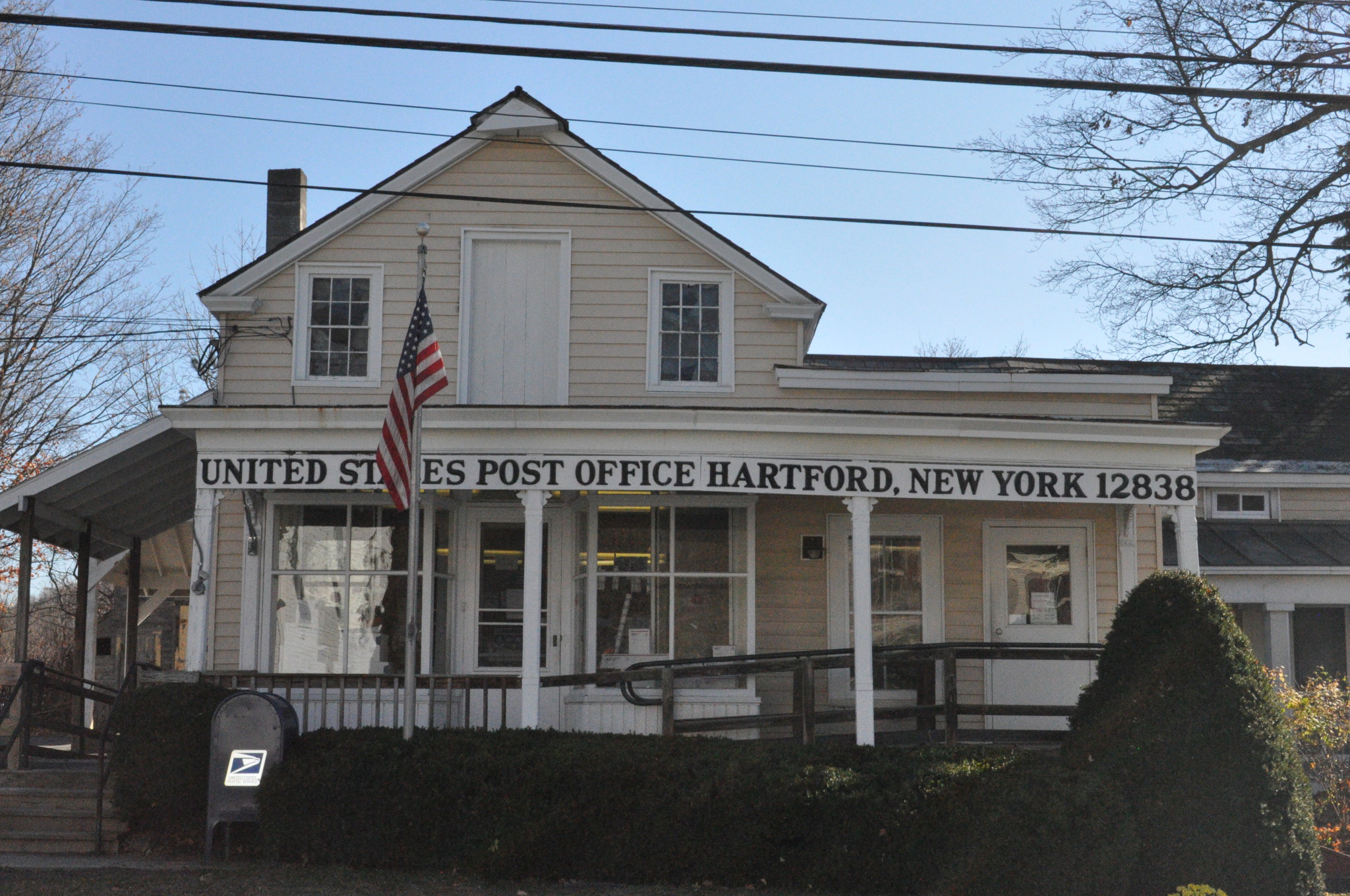 Hartford residents angry at planned at post office cutbacks