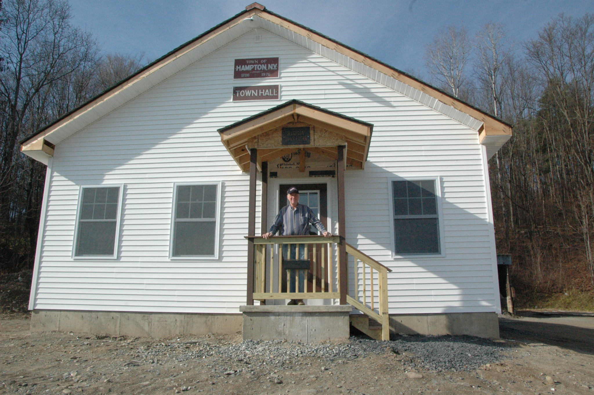 Community comes together on new town hall