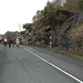 Route 4 Rock Slide (10)
