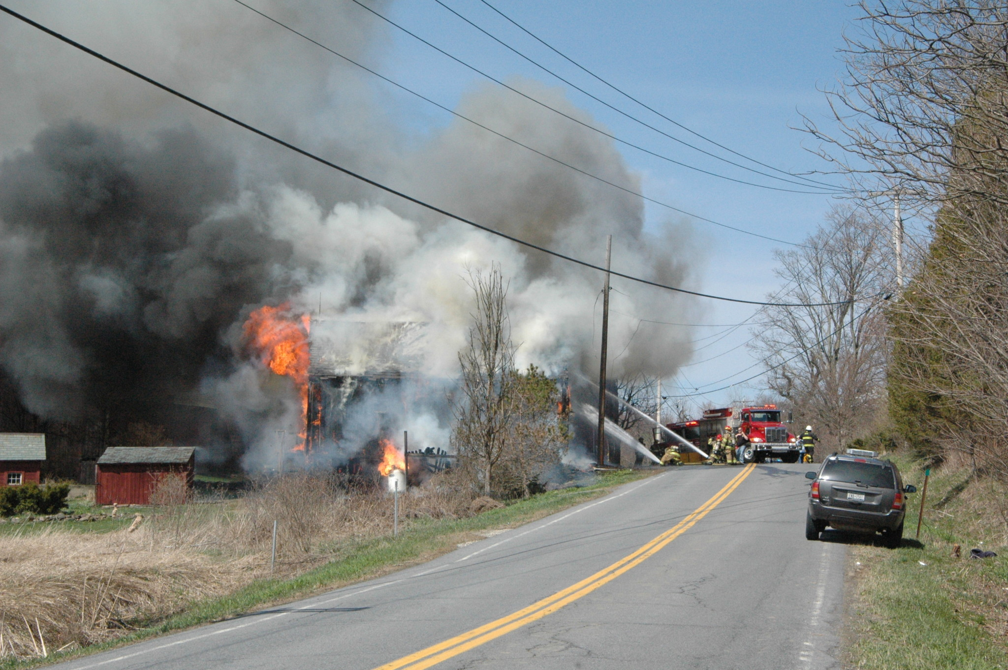 Fire destorys barn