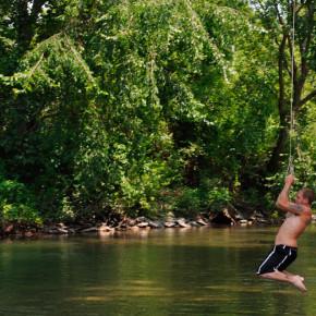 swinging-001