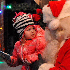 little-girl-and-Santa