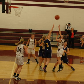 Rachel Lavin shoots a floater