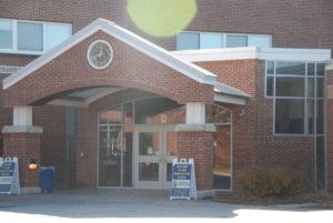 Free food straining school cafeterias