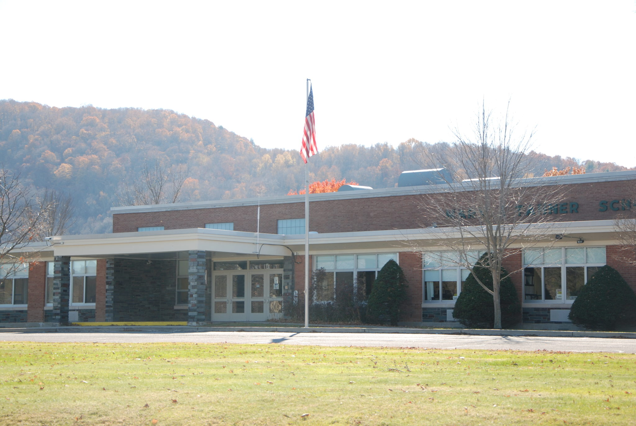 DWI-charged teacher will return to her job