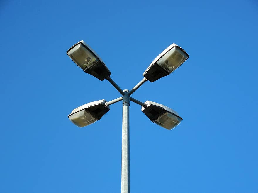 Town closer to LED streetlighting