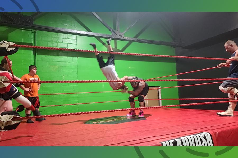 Wrestler Jon Spoor offers mat challenge